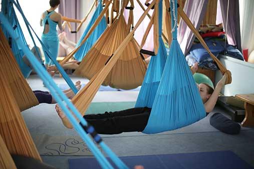 Йога в воздухе для беременных